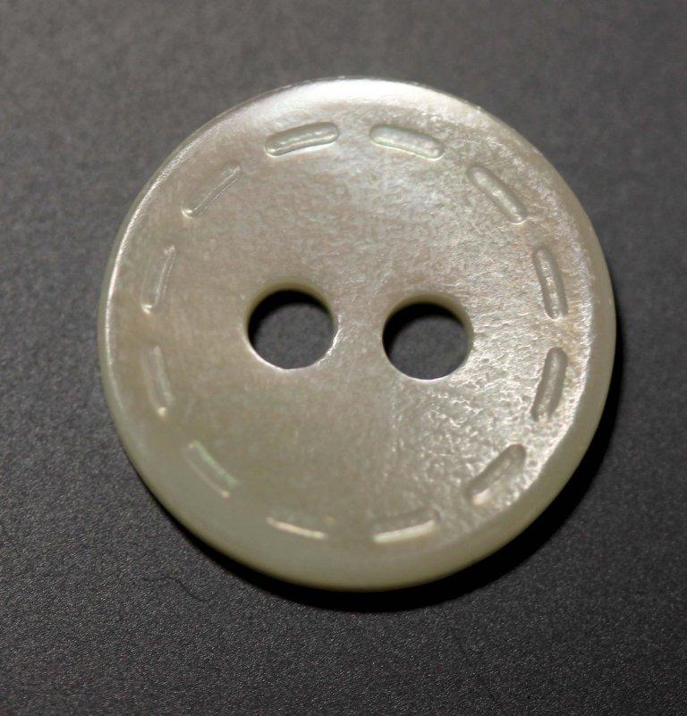 MOP HT51 Stitched Edge Button