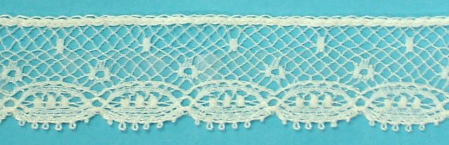 5/8 lace edging - champagne 21152