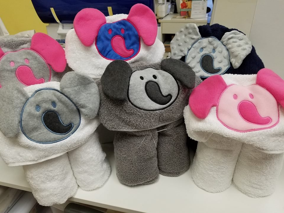 Applique hooded towel the elephant
