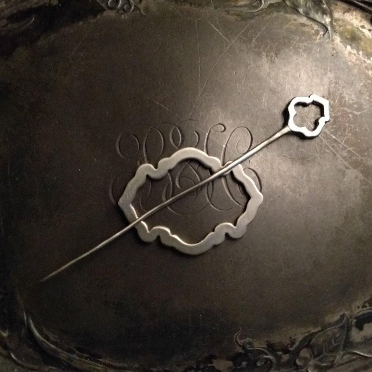 Alhambra Lace Pin