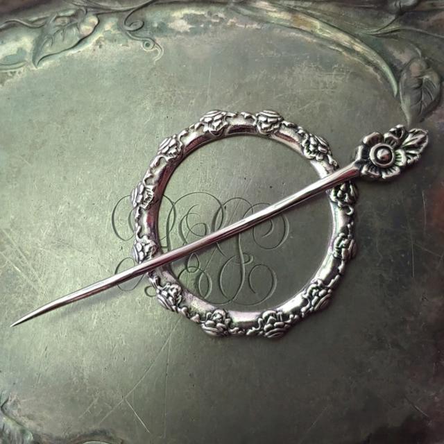 Camellia Shawl Pin / Stick