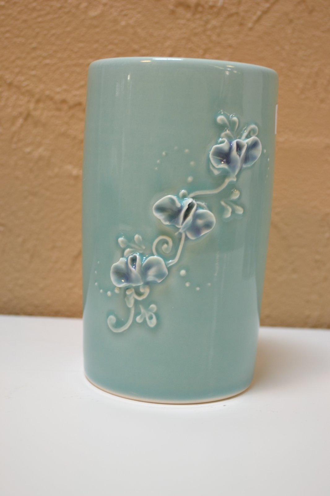 Piped Mugs, Vases & Cups