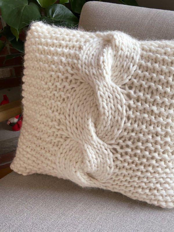 Macro Cable Pillow Kit