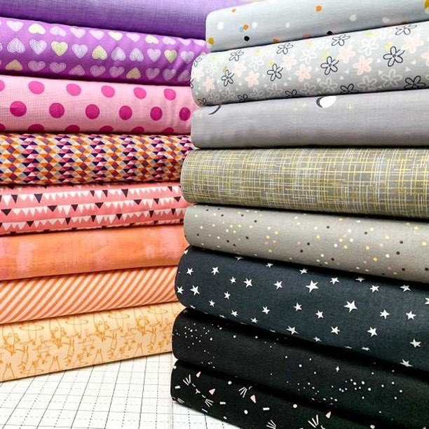 Boo Bundle Sew Along - Option A - 16 FQ Bundle