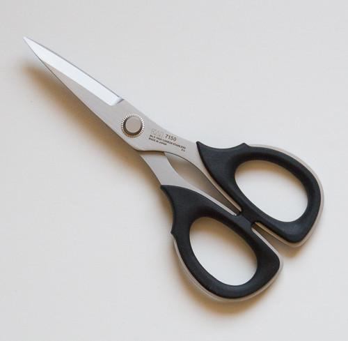 Professional 6 Serrated Scissor by Kai