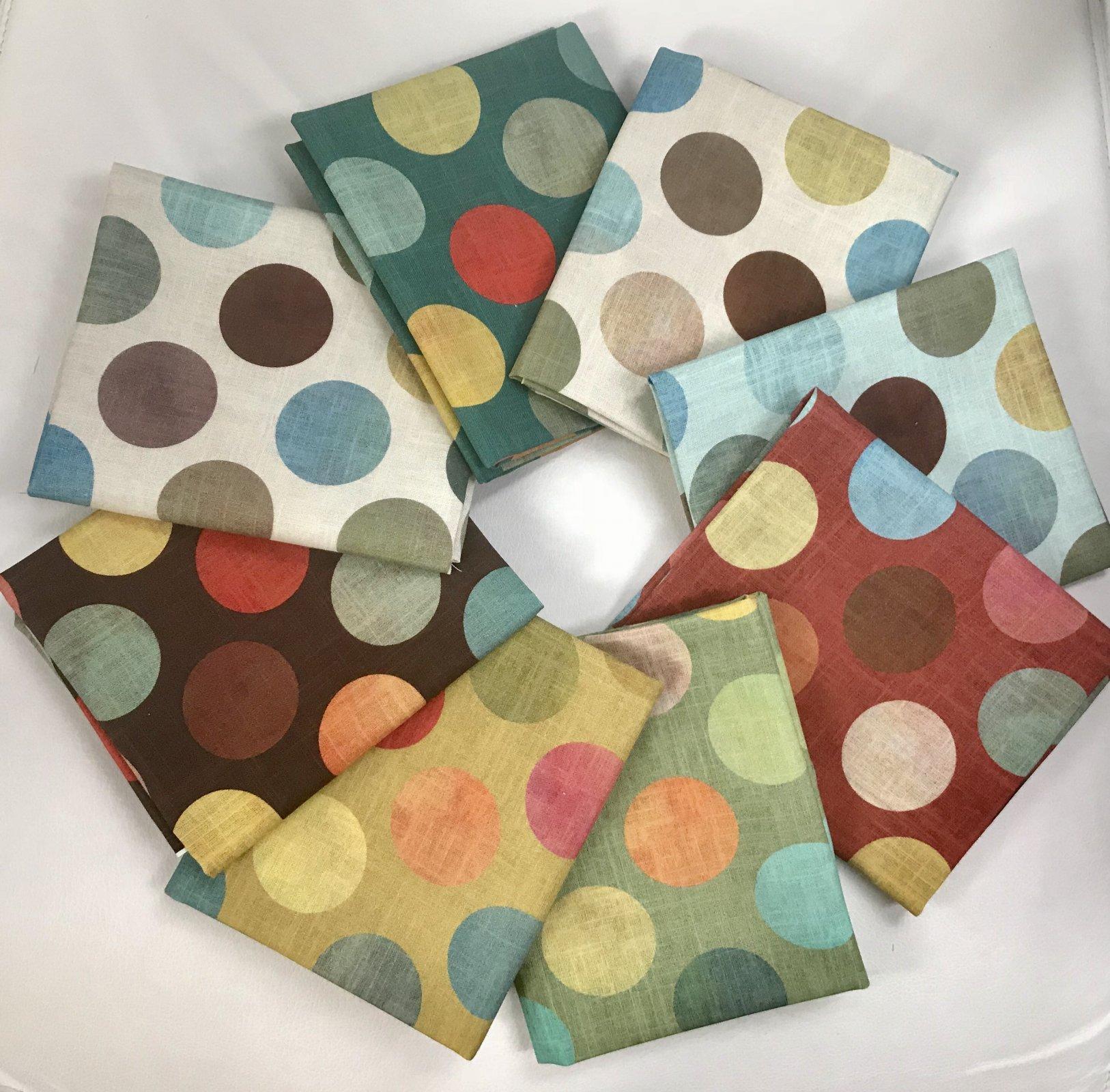 Bundle 8 Fat Quarters (Polka Dots)