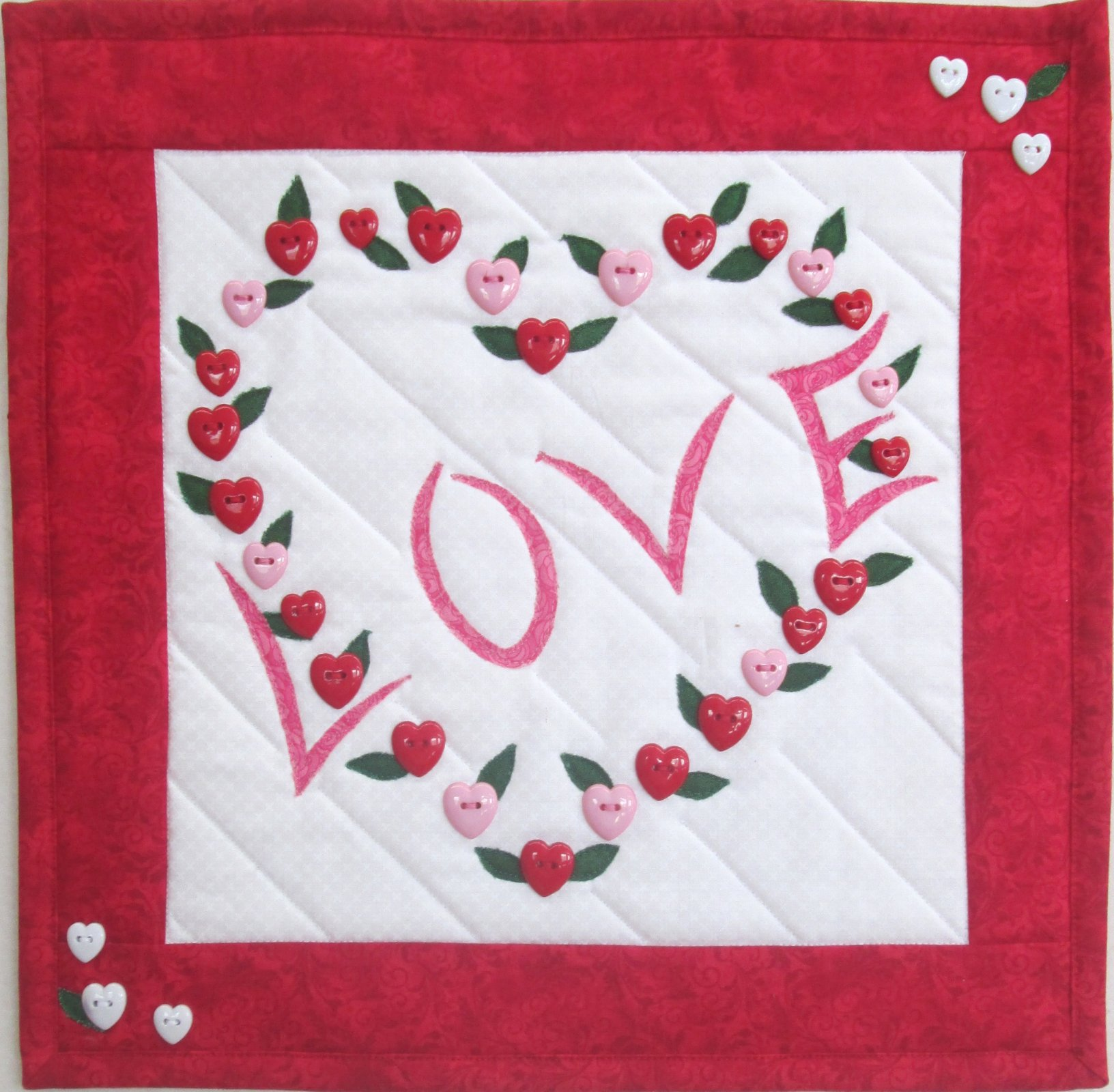 Love Hearts Wall Hanging Kit 13.5 x 13.5