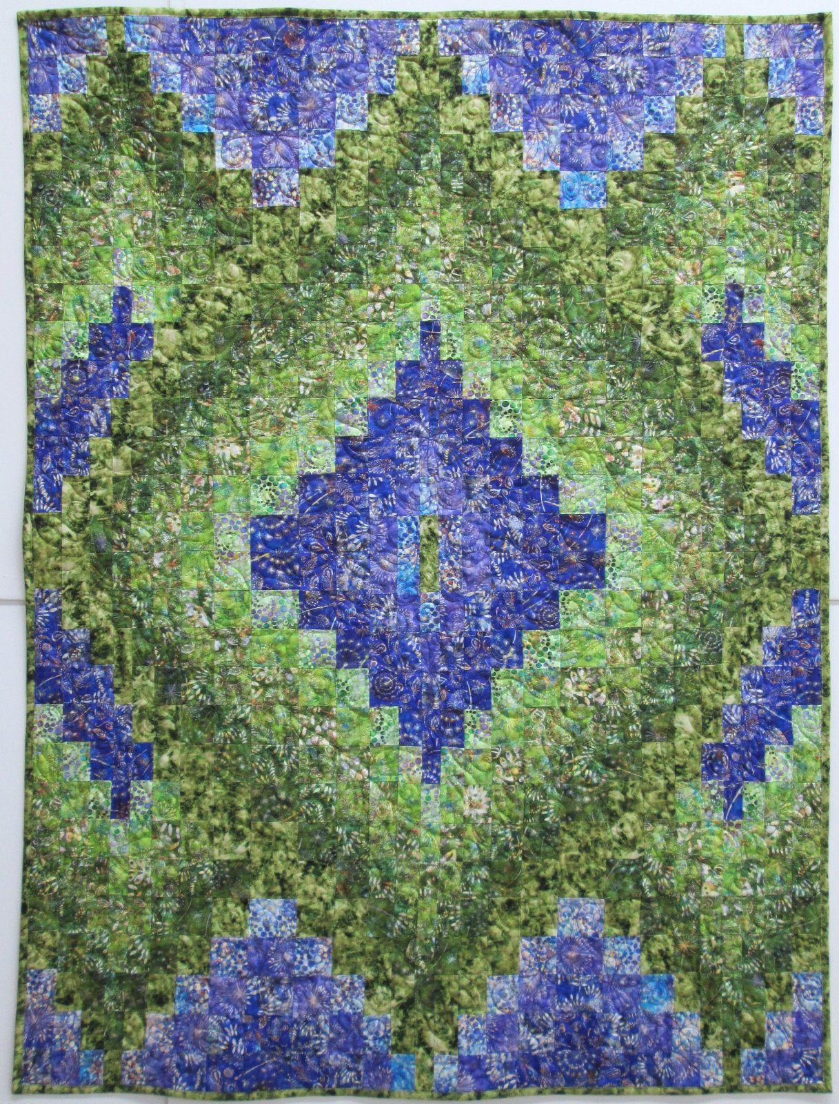Botanica Layered Diamonds Quilt Kit