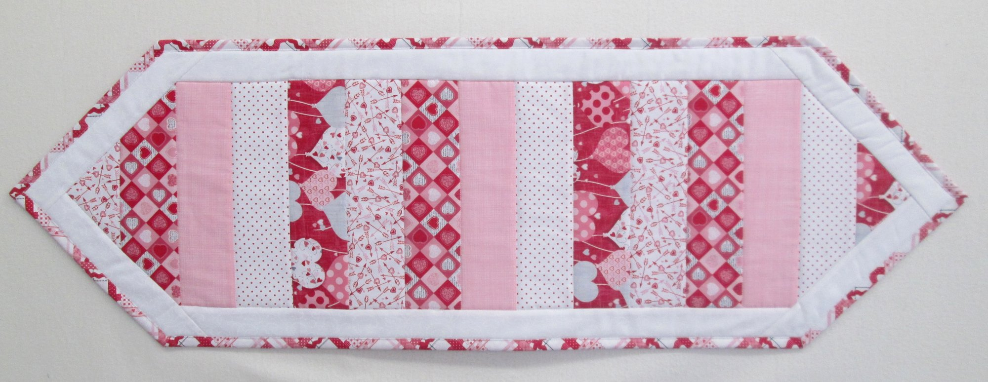 Dear Heart Happy Hearts Table Runner Kit 13 x 42