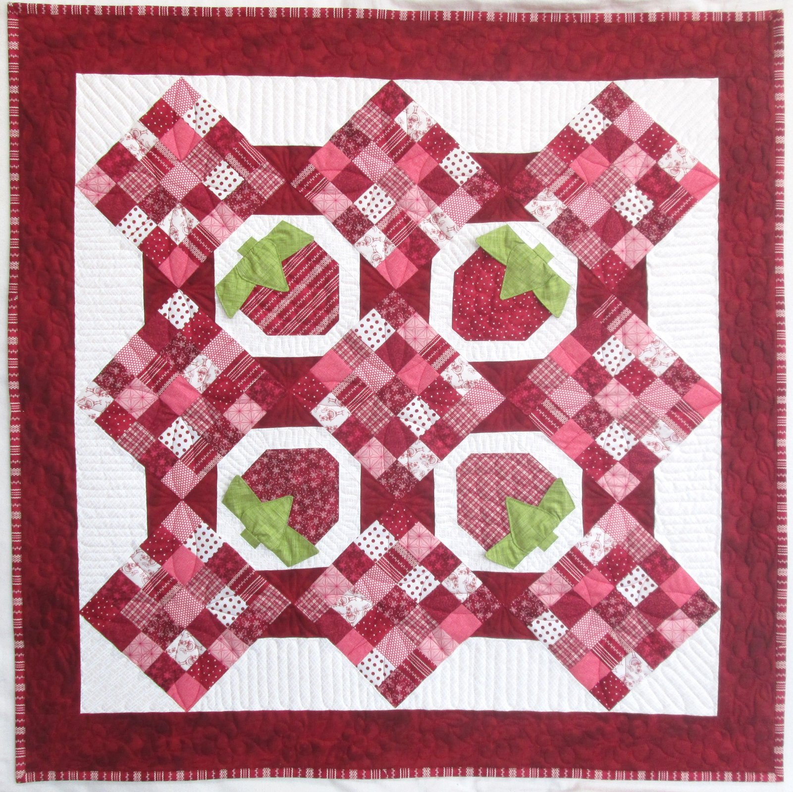 The Little Things Strawberry Patch Baby Quilt Kit 38 x 38 (Sew Sweet Baby Quilts)