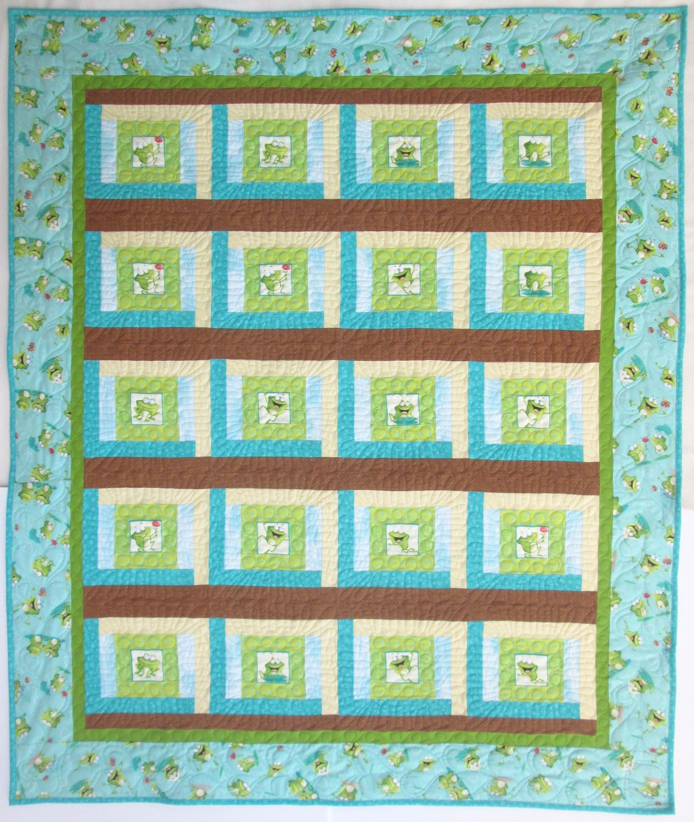 Frogland Friends Courthouse Steps Quilt Kit 51 x 61