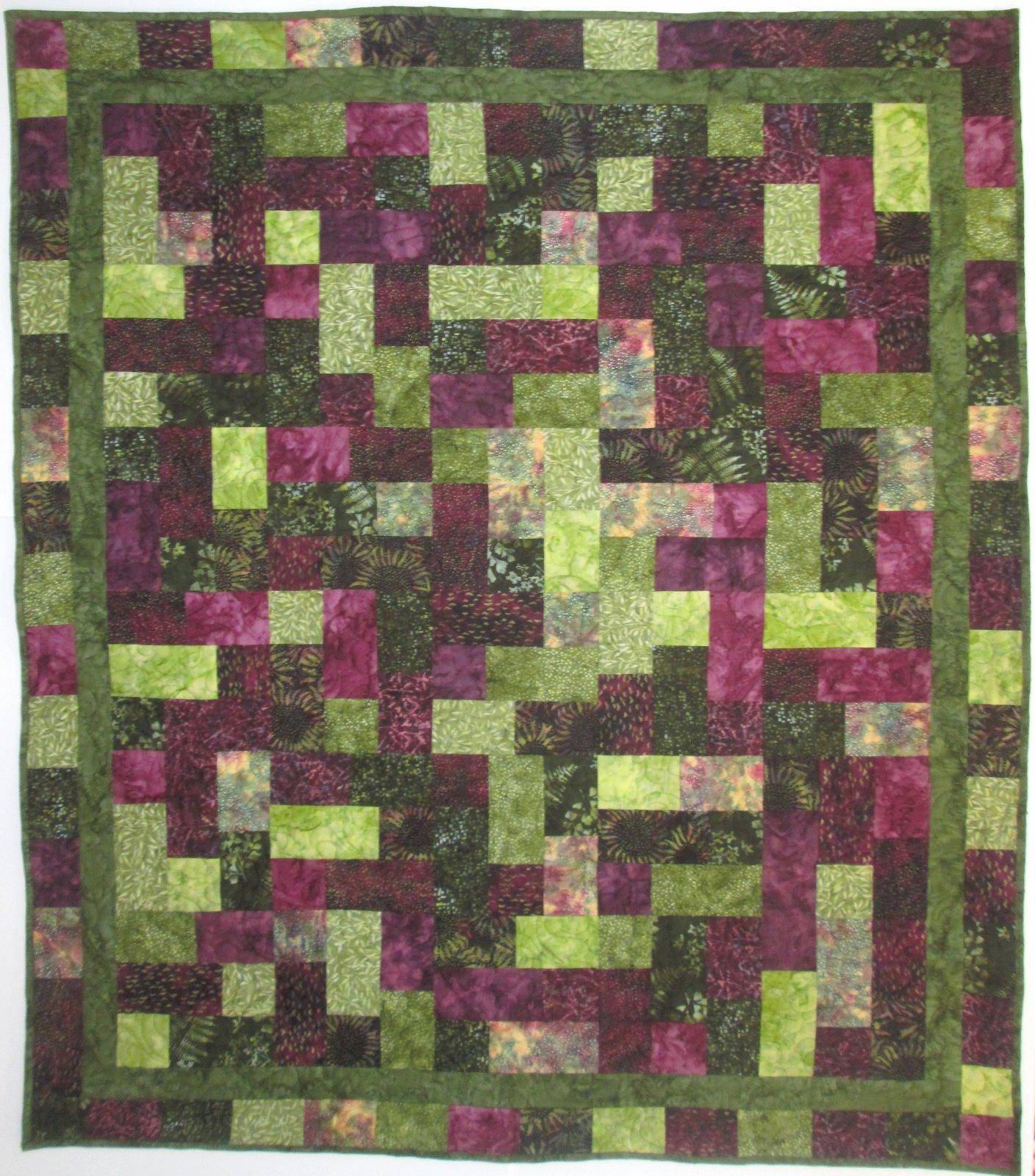 Hoffman Bali Chop Hopscotch Quilt Kit Purple/Green