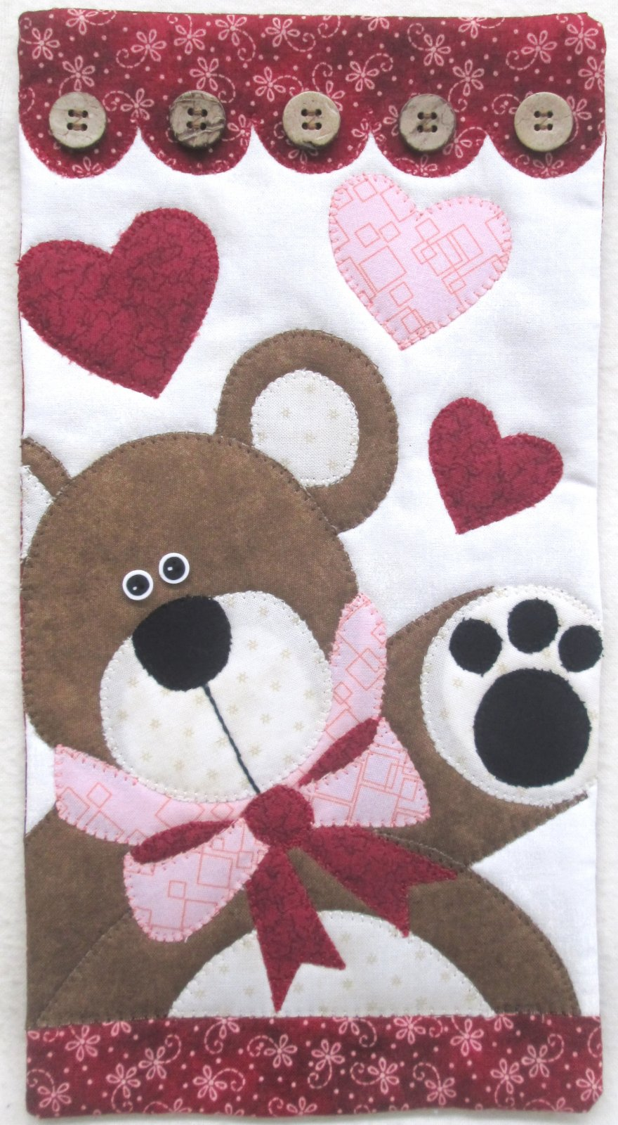 Little Quilts February Bear Hugs Small Hanging Kit