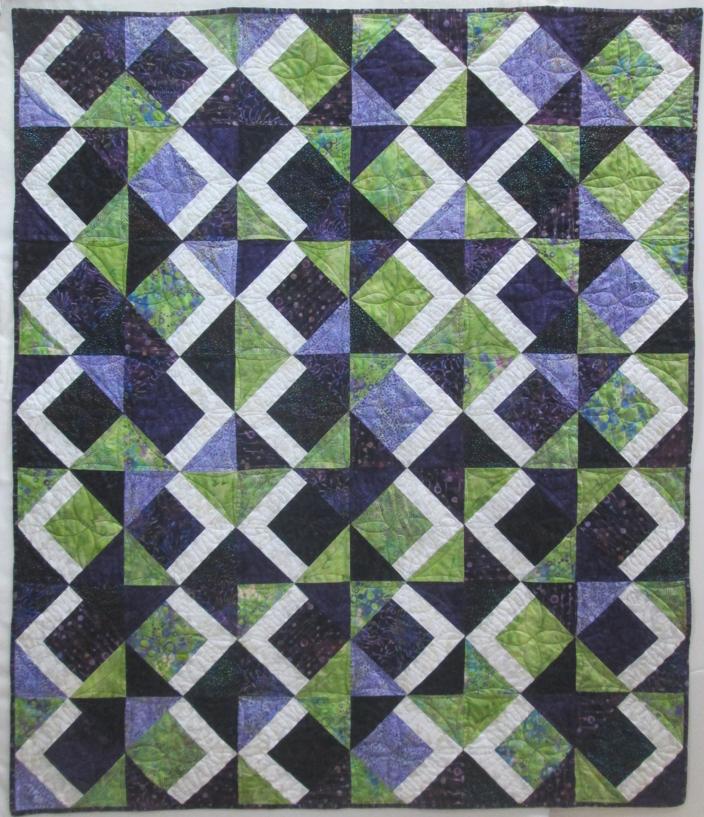 Hoffman Bali Chop Purple/Green Tai Chi Quilt Kit 49 by 57 Includes Binidng