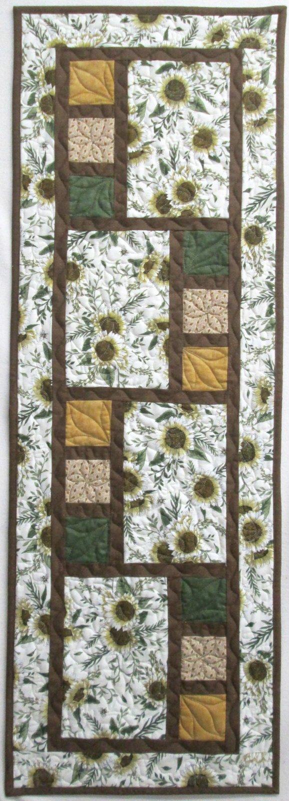All Squared Up Sunflower Table Runner Kit