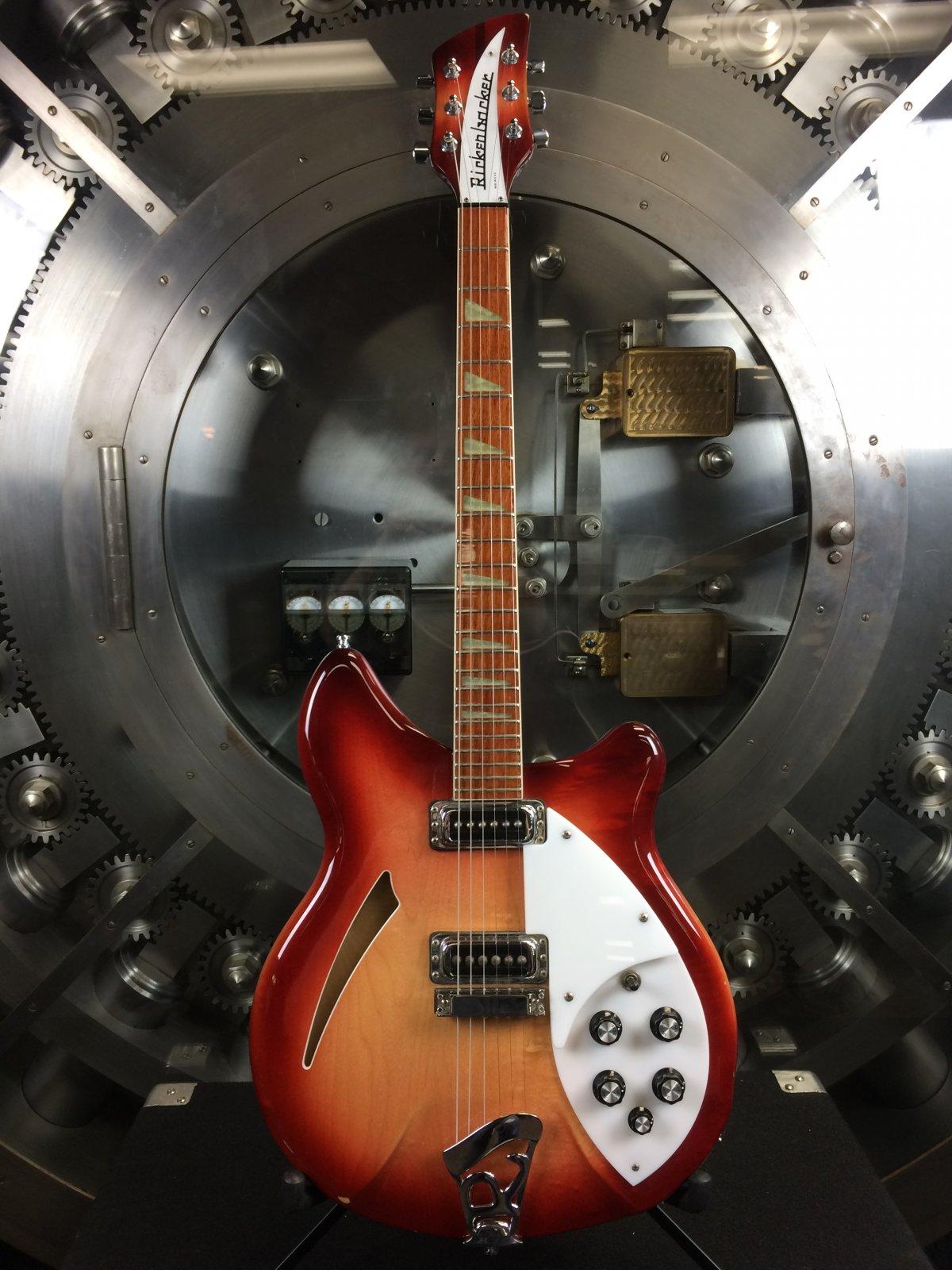 Rickenbacker 330 Fireglo w/ Original Hard Case