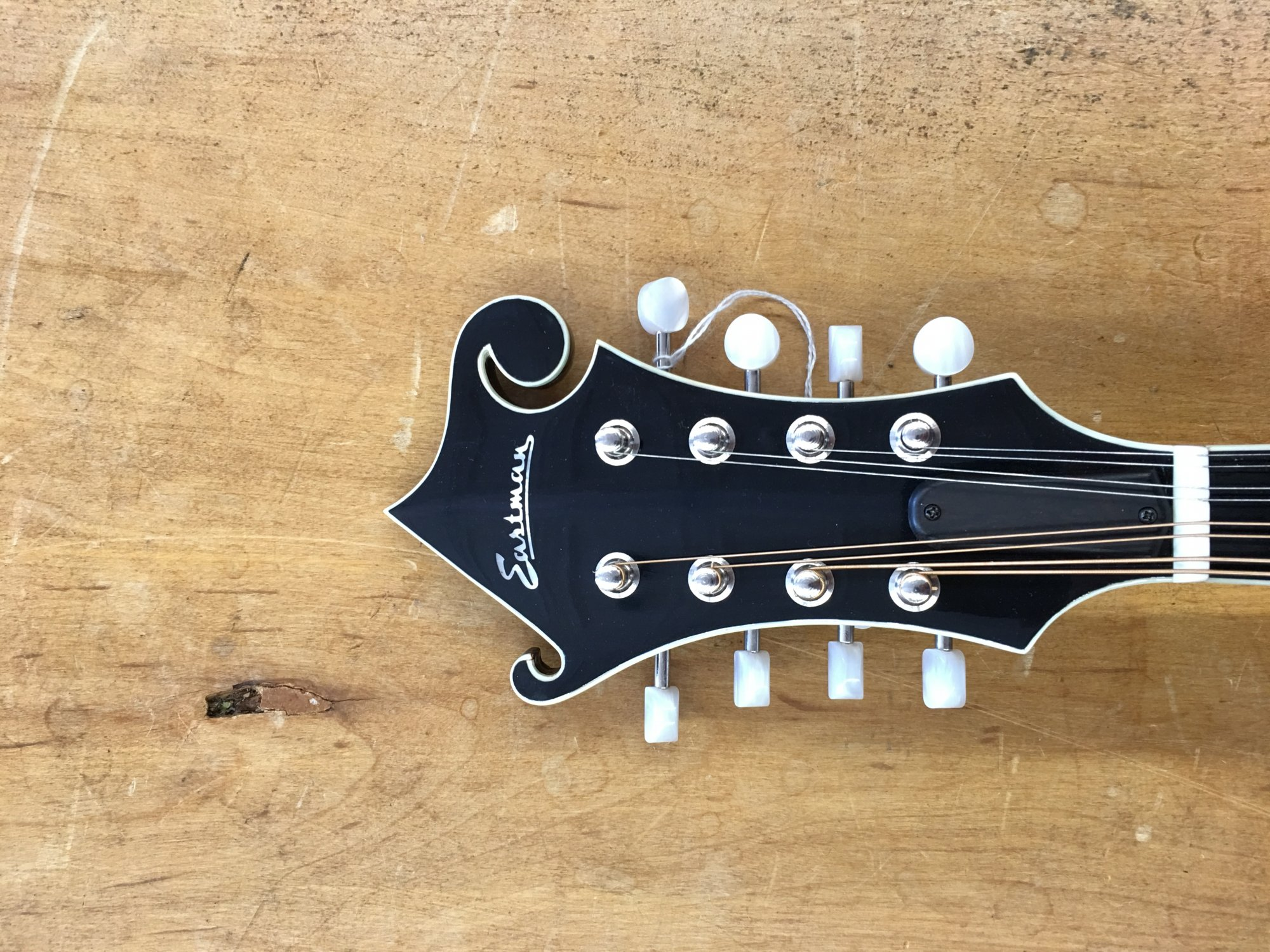 Eastman F-style Oval Hole Sunburst Mandolin MD614-SB