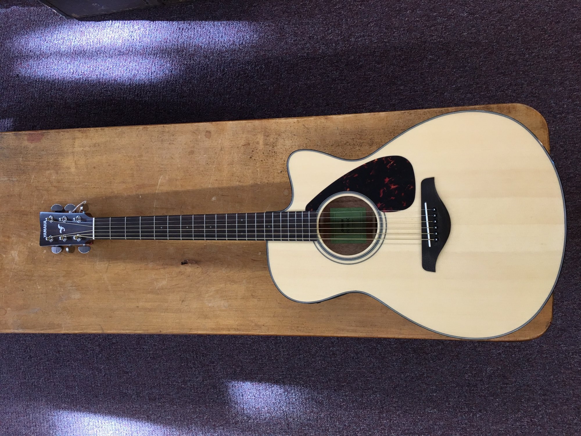 YAMAHA FSX800C NATURAL SMALL BODY ACOUSTIC ELECTRIC GUITAR SOLID TOP