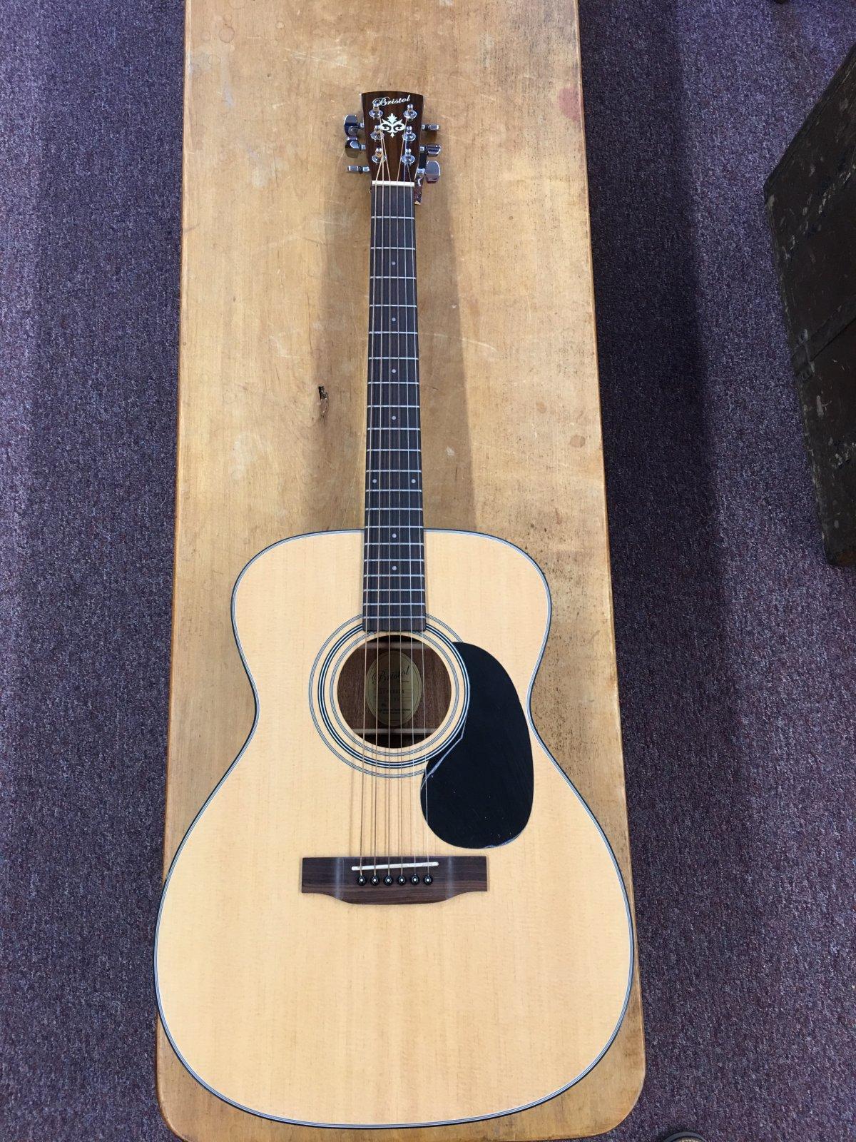 Bristol BM-16 000 Acoustic Guitar