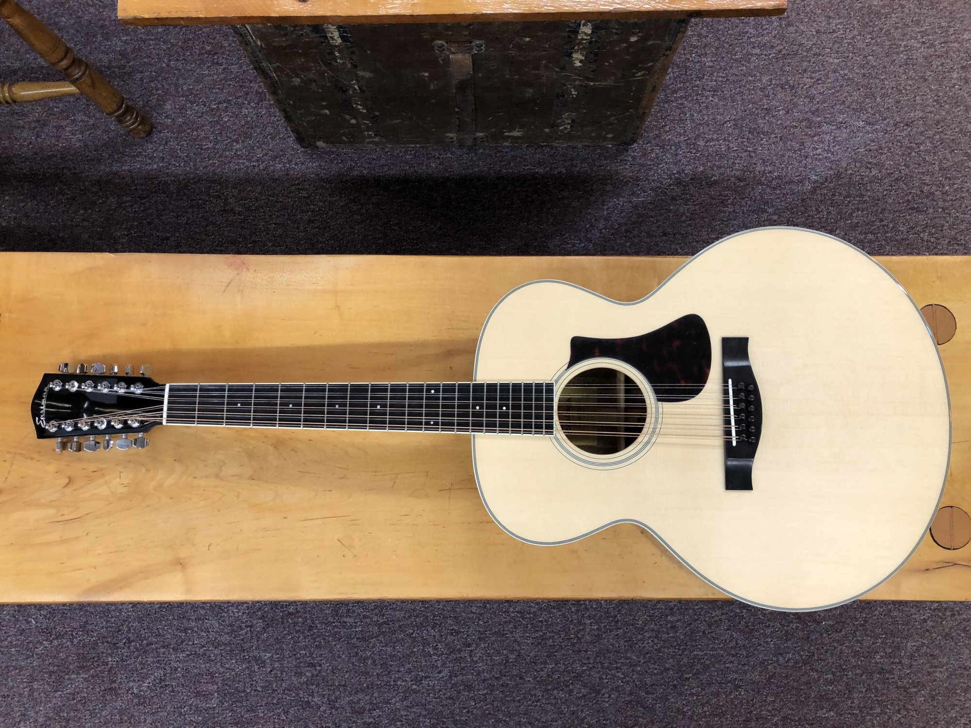 Eastman Jumbo 12 String Guitar AC330E-12 W/HC
