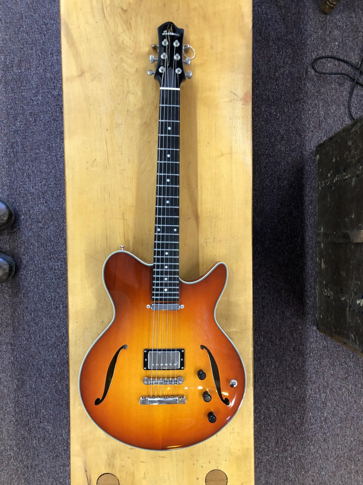 Romeo Thin Archtop Body Electric Guitar (Single Coil)