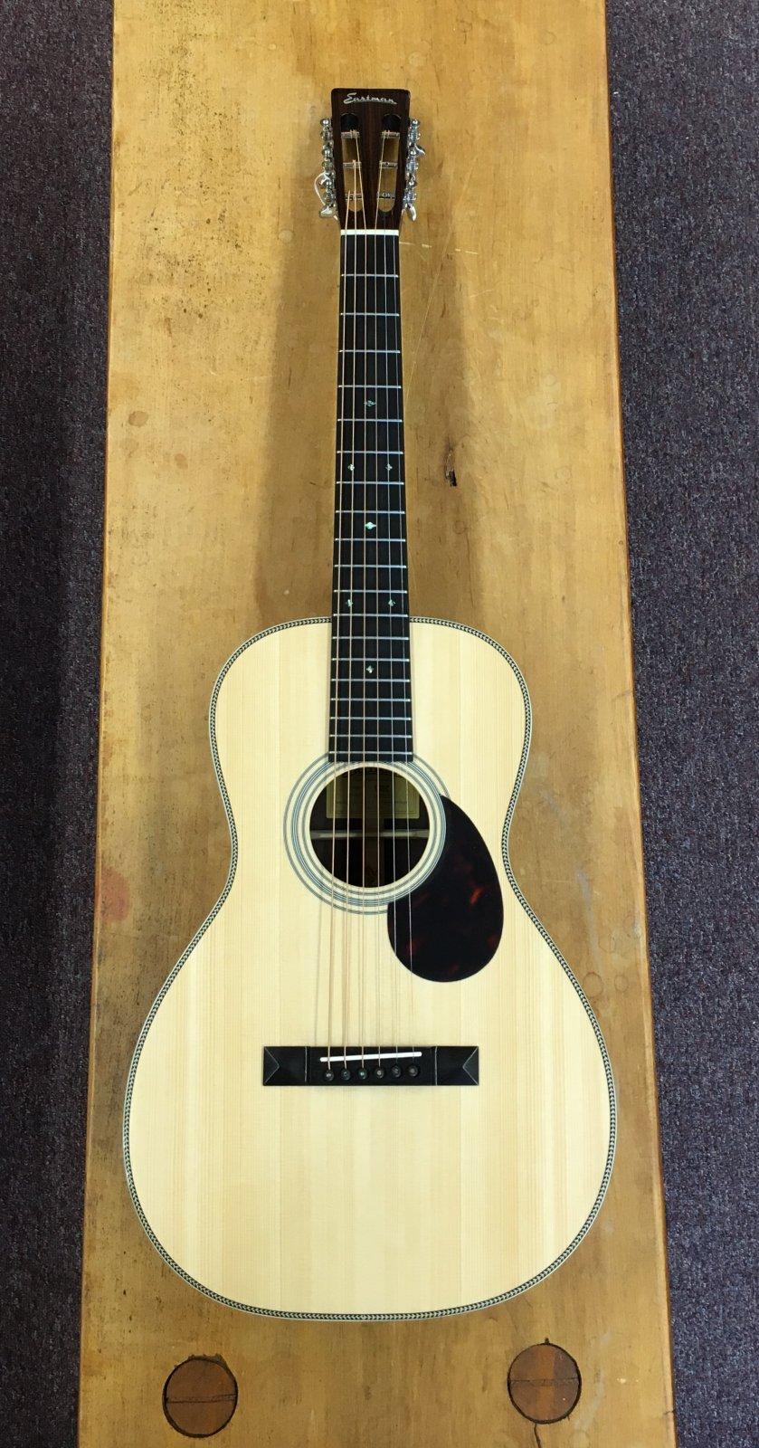 Eastman E20P Parlor Guitar