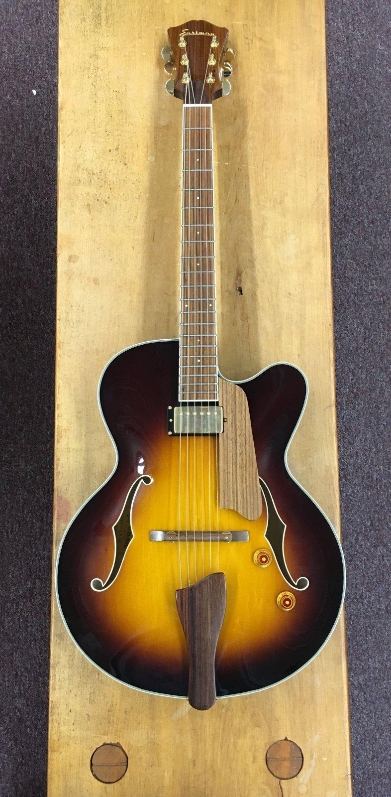 Eastman AR403CE-SB Archtop Guitar