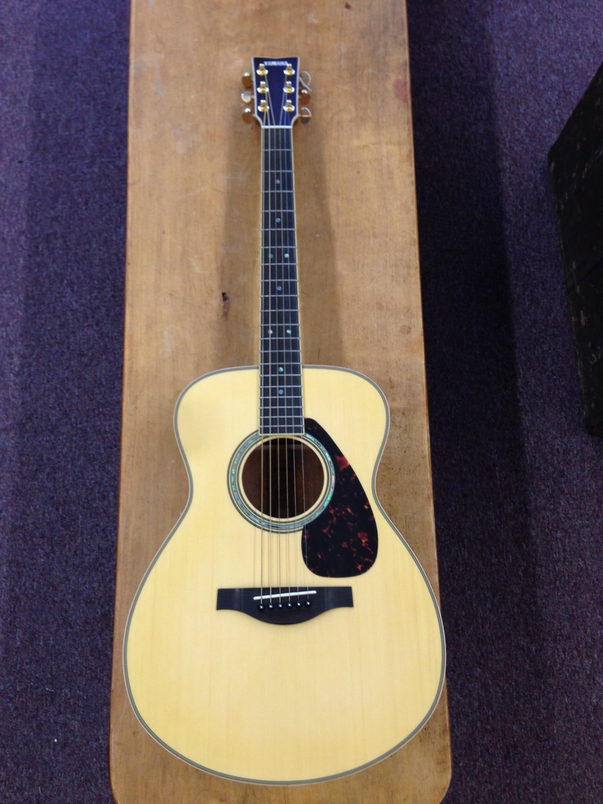 Yamaha L-Series LS16MHB Mahogany Acoustic-Electric Concert Guitar W/Hard Gig Bag