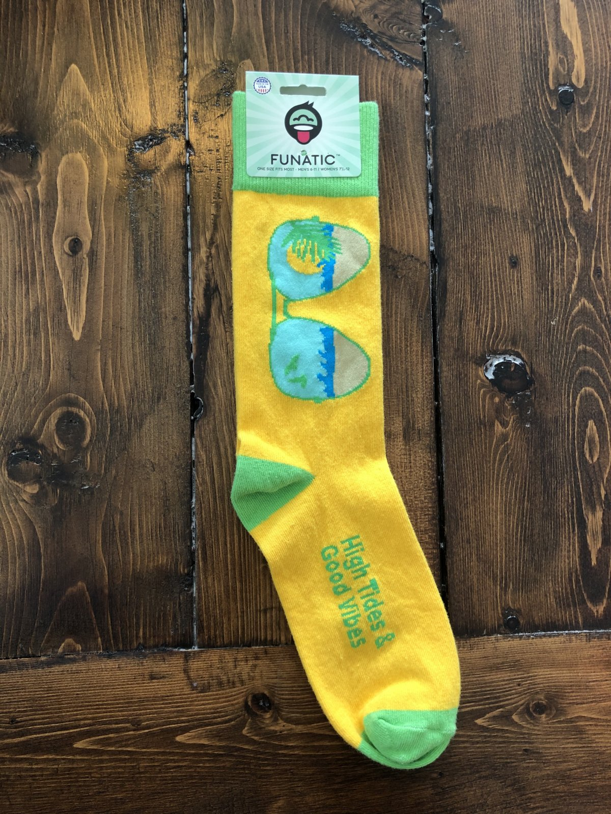 High Tides and Good Vibes Socks