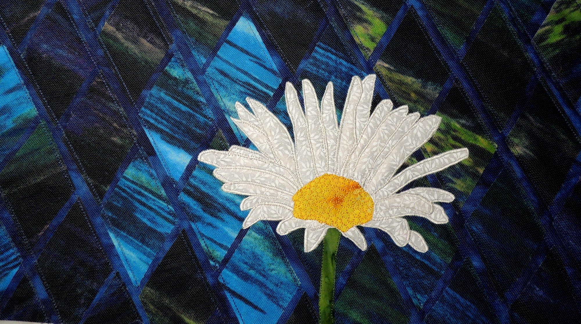DAISY STITCHED PHOTO ART CARD