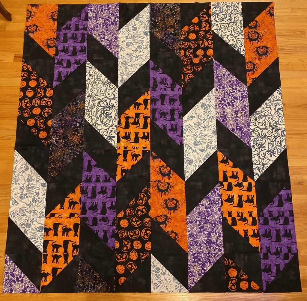 Flashback Quilt Kit - Trick or Treat Halloween (64 x 72)