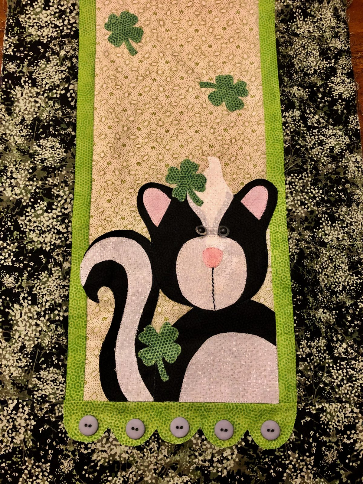 Little Quilts BOM - Mo. 12 Skunk