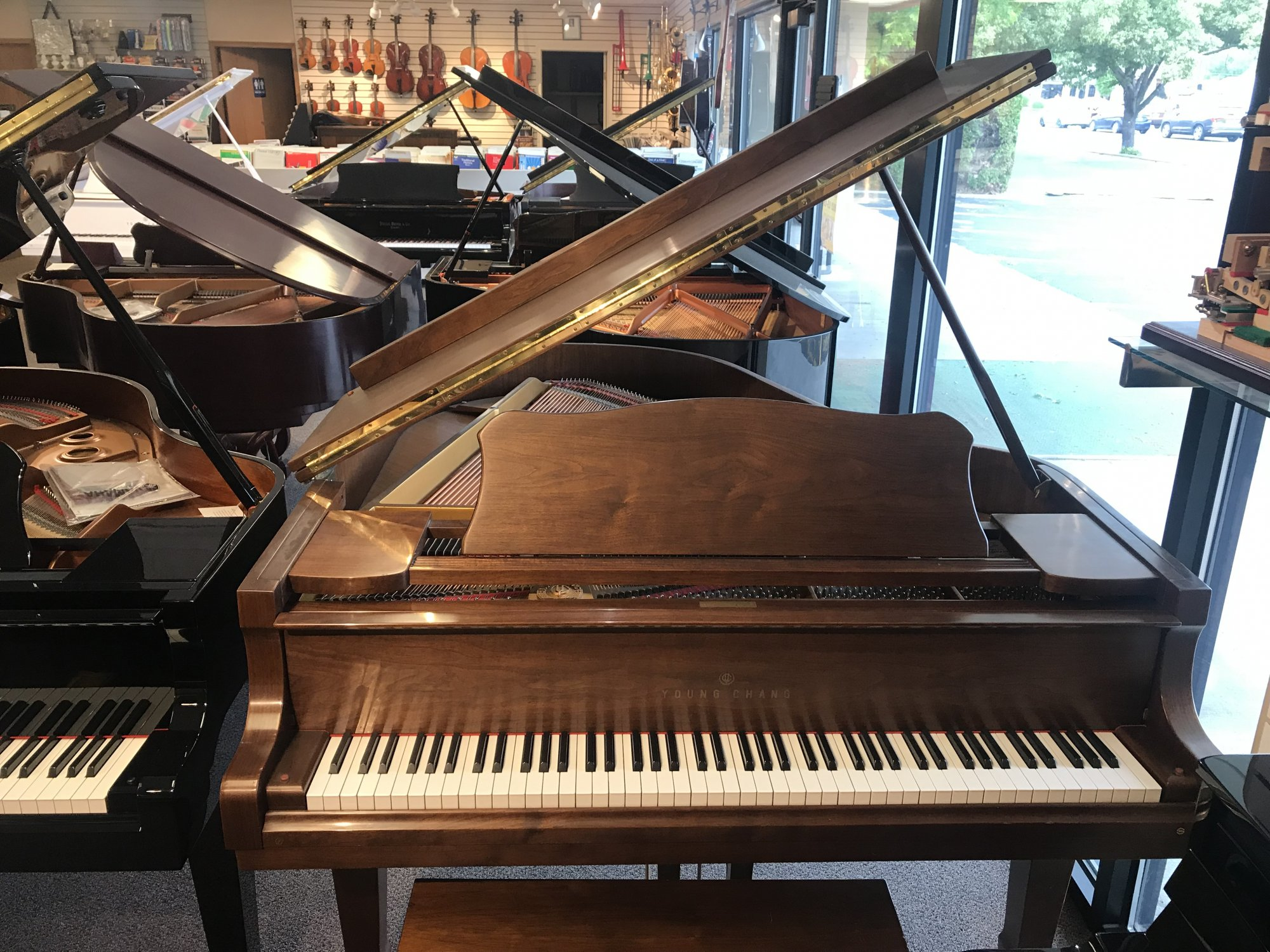 Used Young Chang Grand Piano