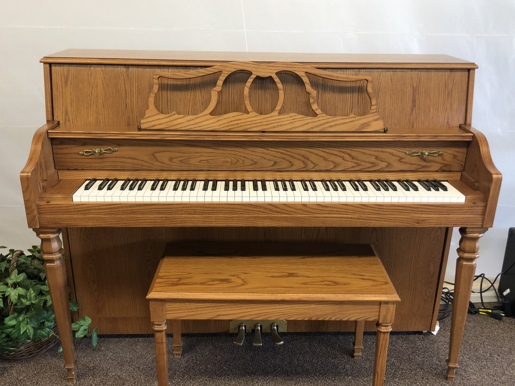 Used Yamaha MX500 Upright Disklavier