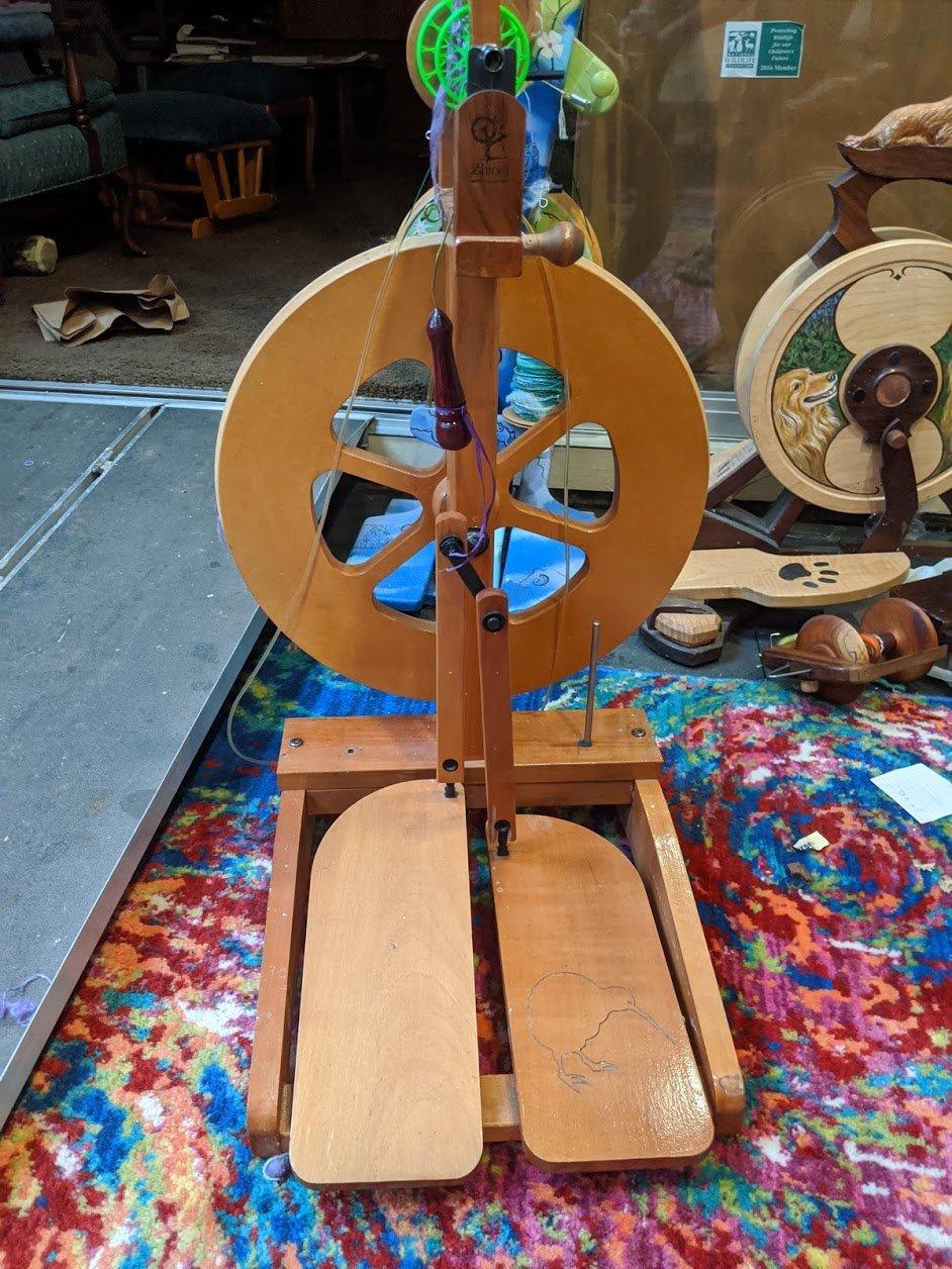 Used Kiwi Spinning wheel