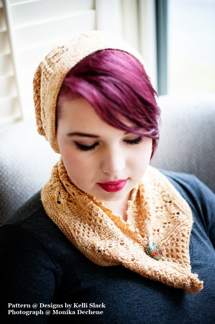 Honeybee Hat and Cowl Kit