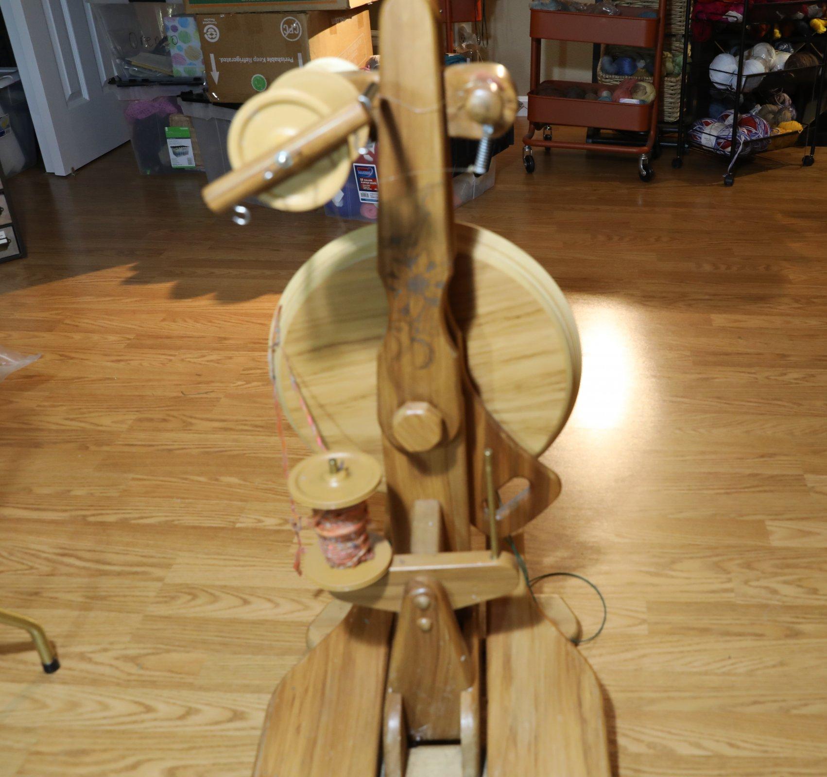 Used Majacraft Suzie Spinning Wheel- Rose Design