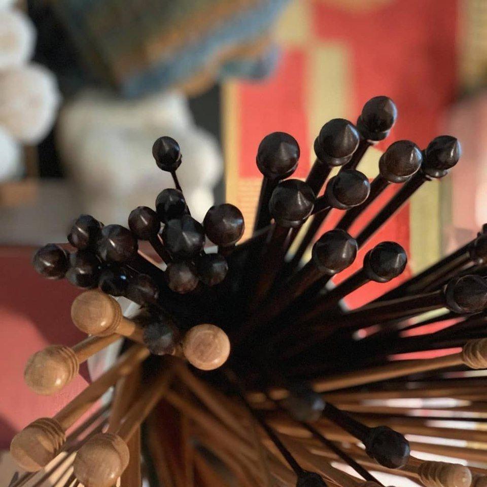 Wood straight knitting needles