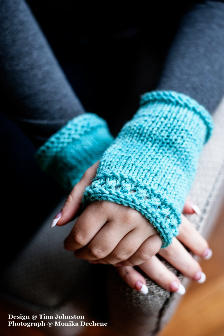 Beginner's Fingerless Mitts & Hat