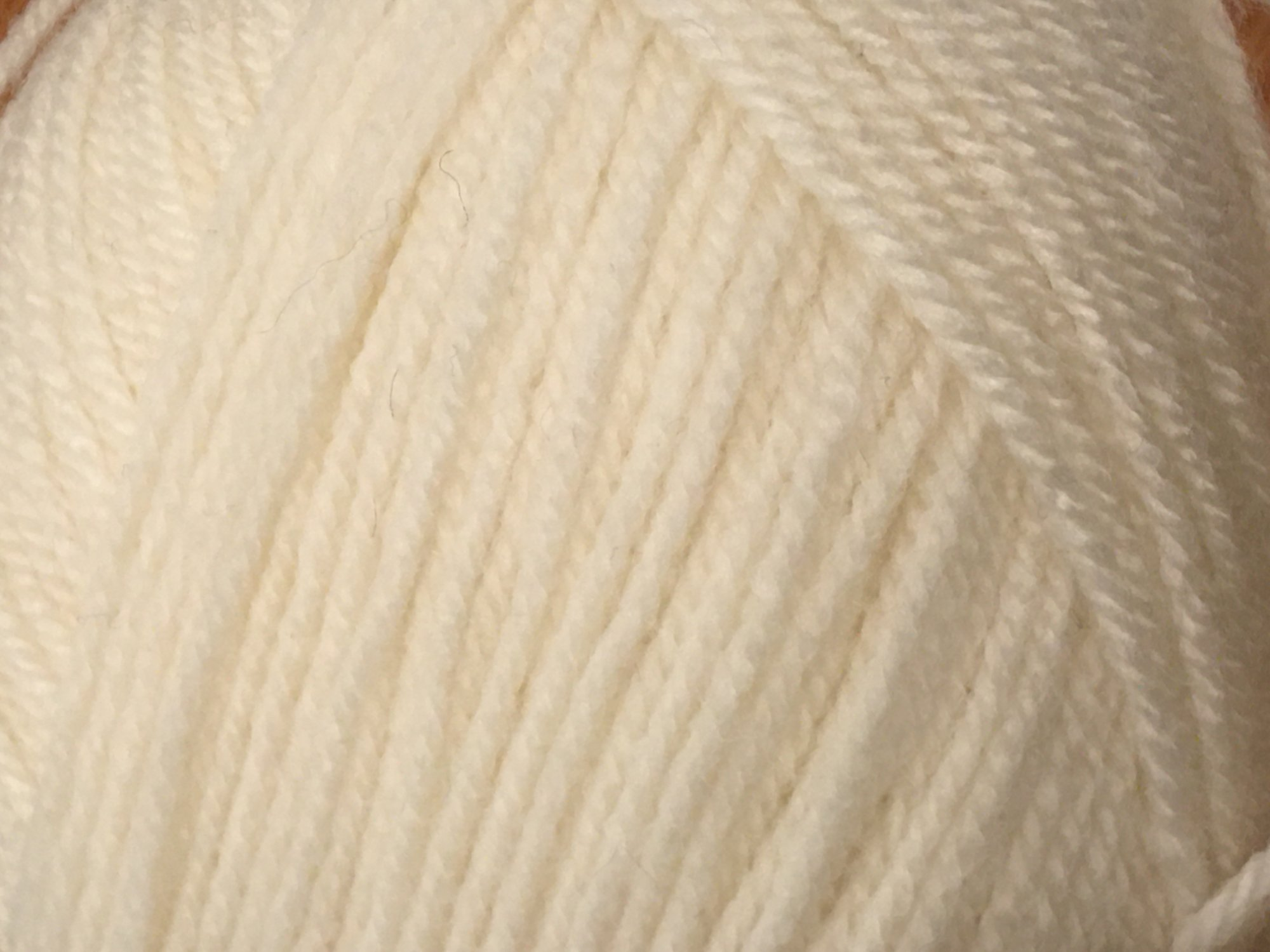 HAYFIELD Double knitting with wool (CREAM)