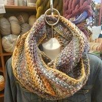 Hanasaku Knitted Cowl Kit