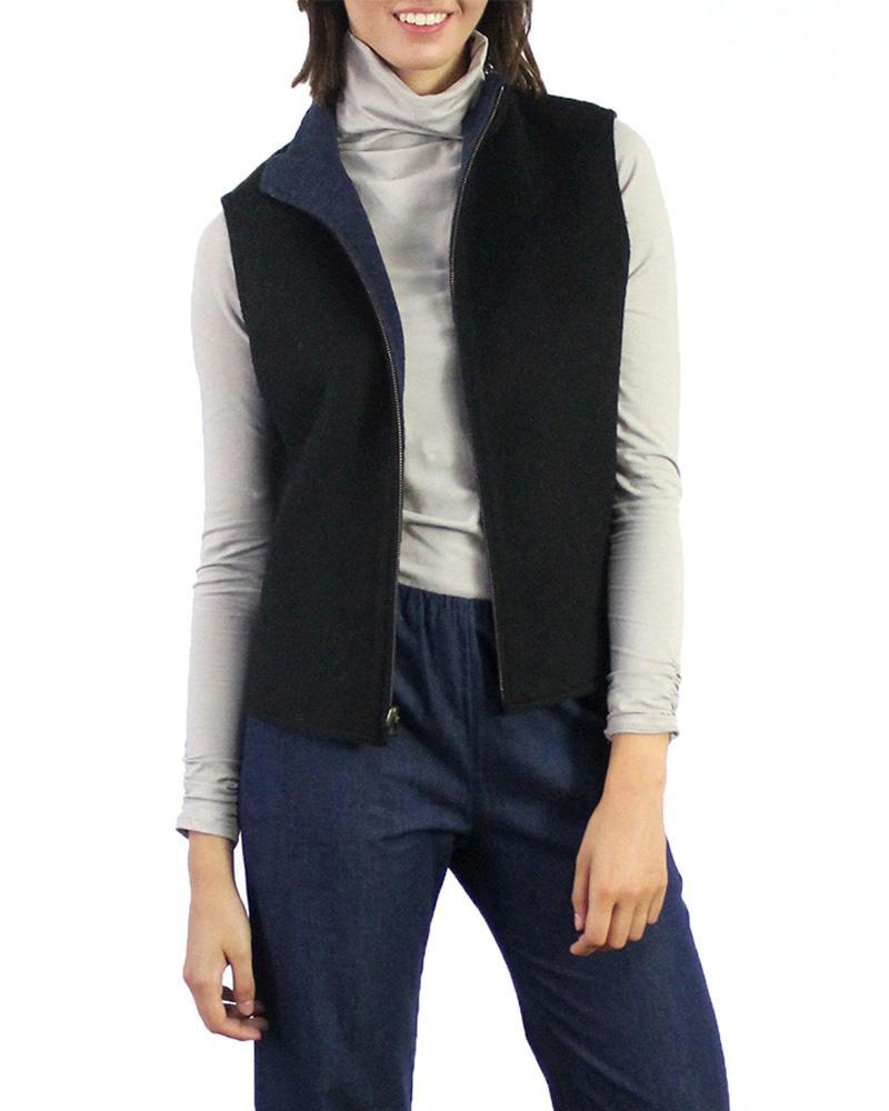 Reversable Vest in Black/Magenta (LG)