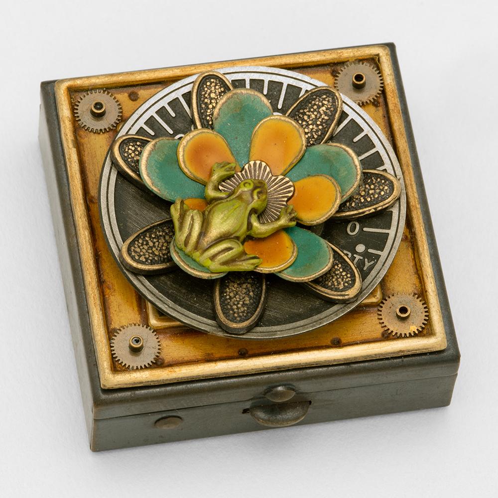Frog & Flower Box