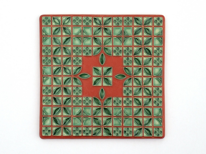 Large Lattice Tile in Red/Green