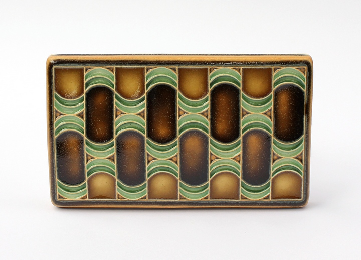 Waves Tile in Brown