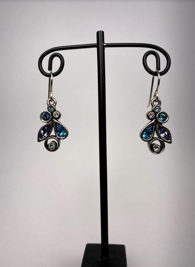 Queen Bee Earrings in Waterlily/Silver