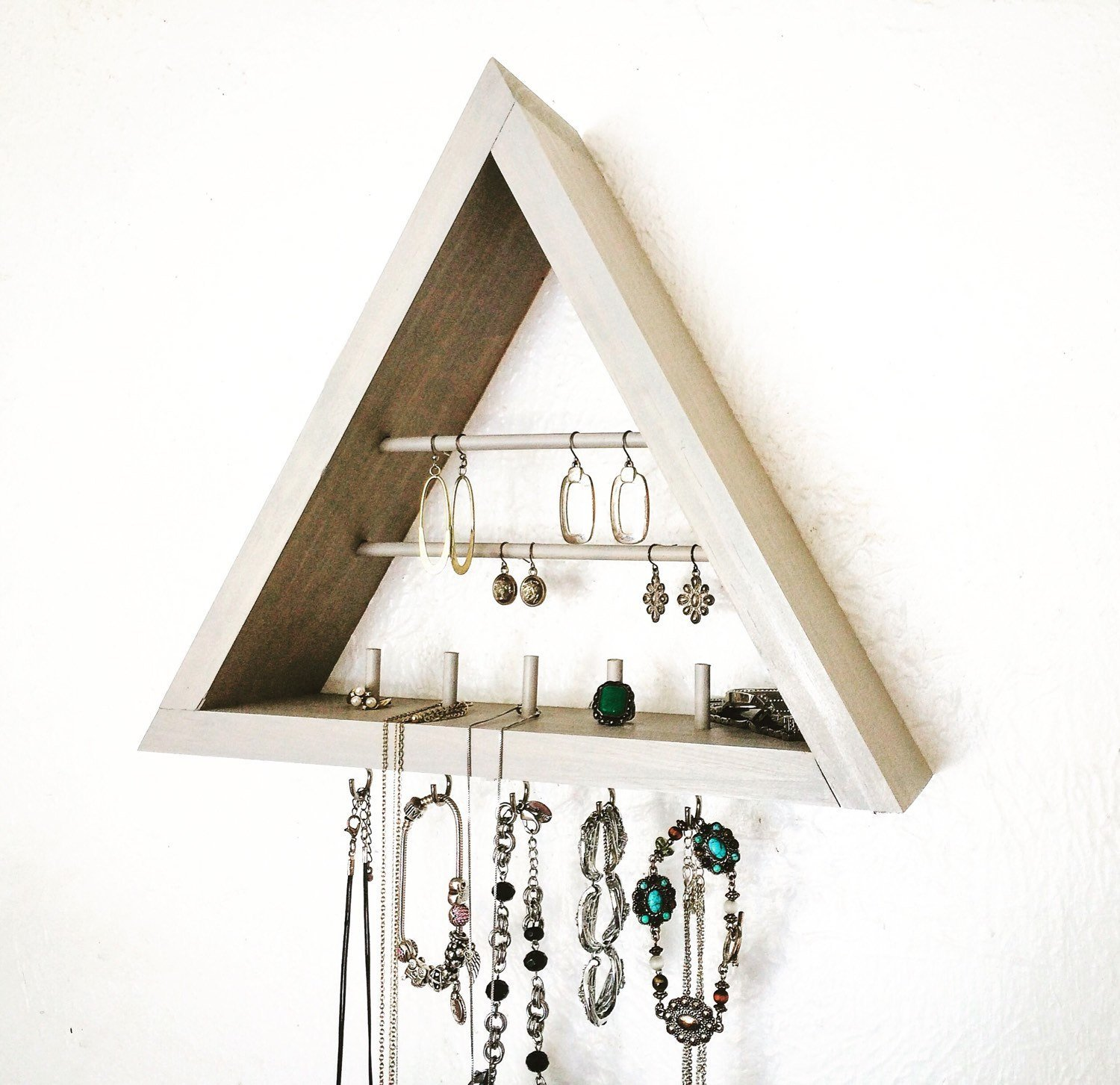 Triangle Jewelry Organizer