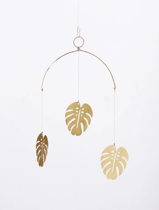 Med Monstera Brass Mobile