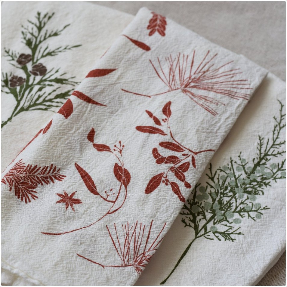 Green Boughs & Berries Napkin Set/4