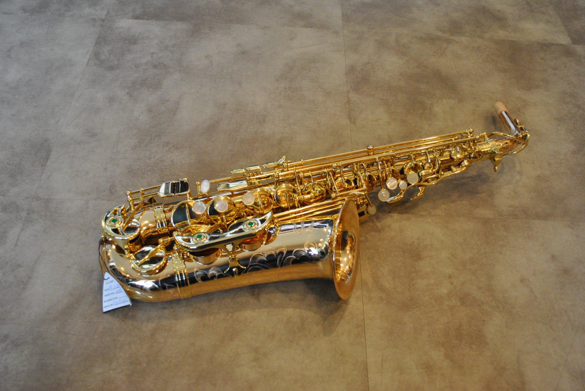 Chateau CAS-80GL Alto Saxophone Professional Gold Lacquer - NEW